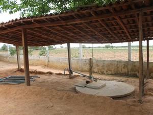 Sistema de biógua está sendo daptado para Escola Rural Ouricuri (Foto: Juliane Peixinho/ G1)