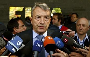 Ex-presidente da Federação Alemã  é suspenso por um ano pela Fifa