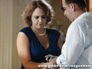 Algemada? Que vergonha, Brenda! (Foto: Sangue Bom / TV Globo)