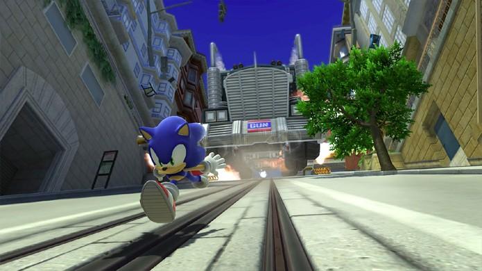 Em Sonic Adventure 2 a icônica cena do caminhão que persegue Sonic mostra a evolução do Dreamcast desde o primeiro game (Foto: Reprodução/GestureWorks Gameplay)