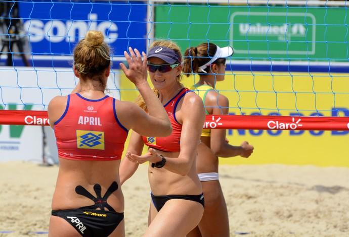 Walsh e Ross vencem as brasileiras e levam bronze (Foto: Alexandre Arruda/CBV)