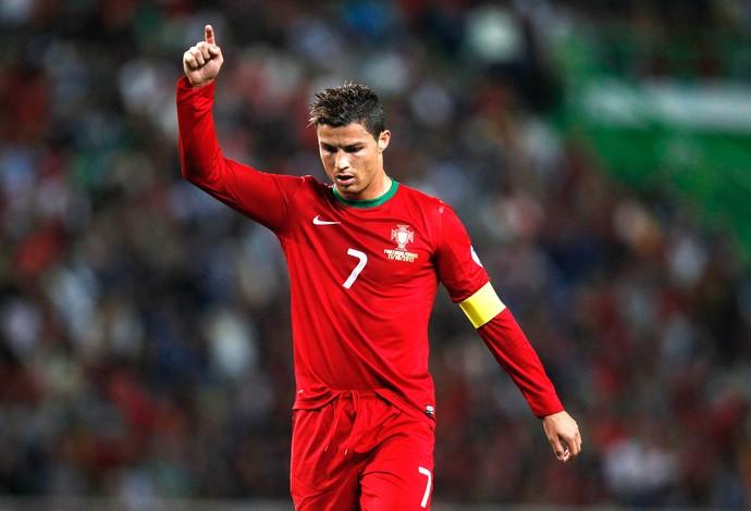 Cristiano Ronaldo jogo Portugal e Israel (Foto: Reuters)