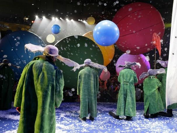 Na trilha sonora do espetáculo, Bethoven e Carmina Burama emolduram as cenas (Foto: Divulgação/V. Mishukov)