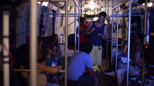 Vagão de trem vira espaço para criação fotográfica
