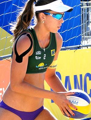Lili vôlei de praia kinesio tape  (Foto: Helena Rebello / Globoesporte.com)