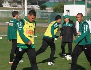 Júnior Urso no treino do Coritiba (Foto: Gabriel Hamilko / GloboEsporte.com)