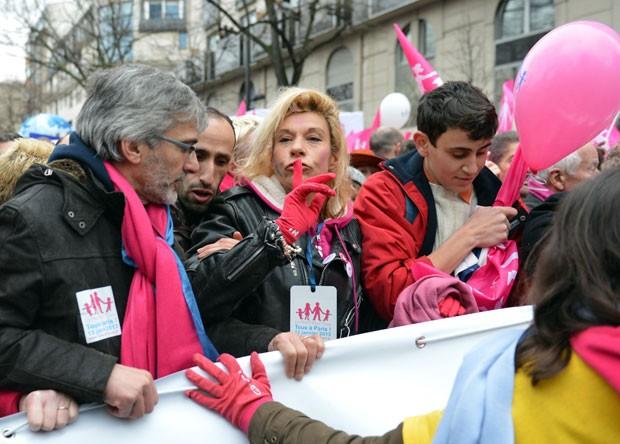 Manifestação reúne pessoas de várias cidades francesas (Foto: Miguel Medina/AFP)