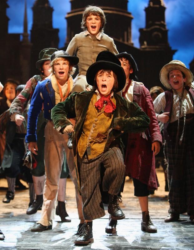 Uma das adaptações de Oliver Twist para o teatro (Foto: Getty Images)