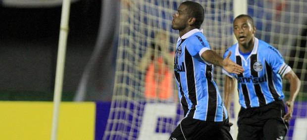 Fernando gol Grêmio (Foto: Felipe Oliveira / Ag. Estado)
