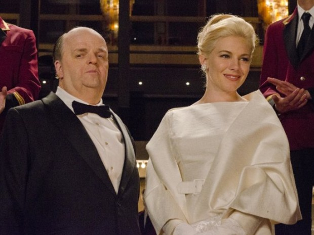 Toby Jones e Sienna Miller em cena de 'The girl' (Foto: Kelly Walsh/Divulgação/HBO)