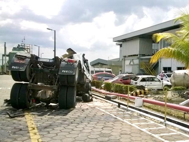 Acidente ocorreu em empresa situada na Zona Leste de Manaus (Foto: Corpo de Bombeiros/Divulgação)