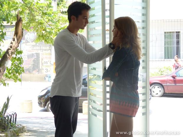 Ben tenta se reconciliar com Anita  (Foto: Malhação / TV Globo)