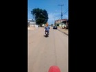 Internauta flagra cão na garupa de moto em Atibaia; assista vídeo