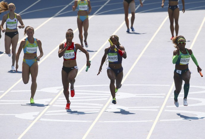 Revezamento feminino 4x100 18/08 (Foto: Reuters)