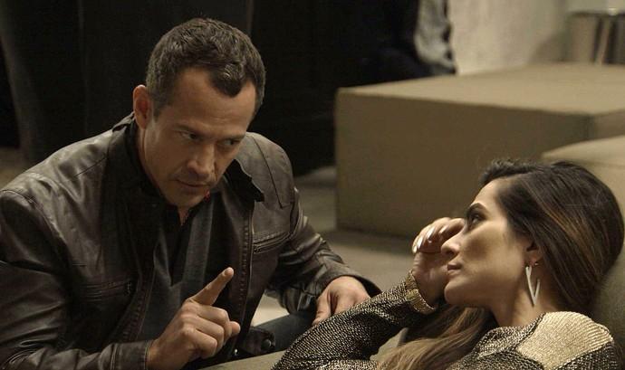 Apolo repreende Tamara após acidente (Foto: TV Globo)