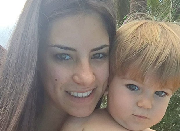 Thayra Machado e o filho, Davi (Foto: Reprodução/Instagram)