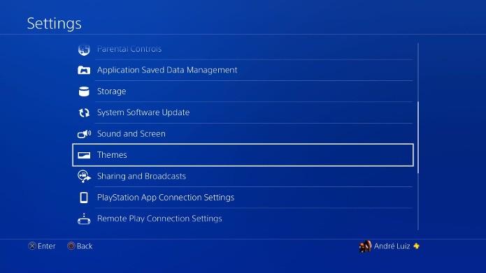 Navegue nas opções do seu PS4 para selecionar os temas do console (Foto: Reprodução/André Mello)
