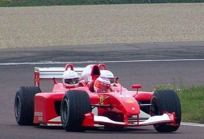 Ferrari com três lugares (Foto: Reprodução/Instagram)