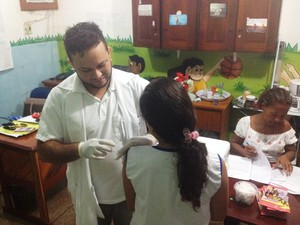 Meta é vacinar 14 mil meninas na segunda dose contra o HPV em Macapá (Foto: John Pacheco/G1)