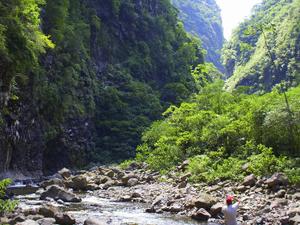 Trilha do Rio do Boi tem 16 quilômetros de extensão (Foto: Spry Video/Divulgação)