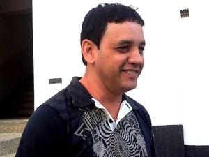 Rogério de  Oliveira, produtor que contratou o show de Daleste (Foto: Marília Castelli/G1)