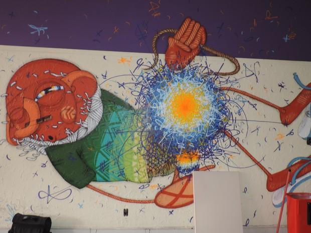 'Grafite é um estilo de vida', diz o professor Sérgio Oliveira (Foto: Paola Patriarca/G1)
