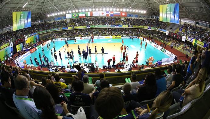 Torcida do Cruzeiro lotou ginásio em Betim (Foto: Divulgação/FIVB)