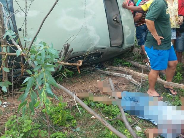 Segundo a PM, vítima morreu na hora (Foto: Divulgação/Polícia Militar)
