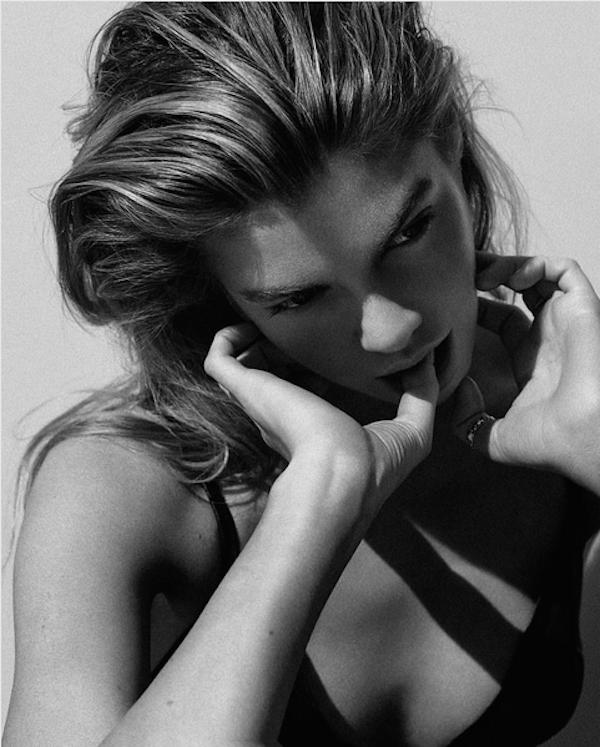 A modelo Stella Maxwell (Foto: Instagram)