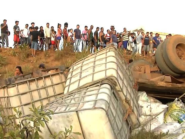 Dos seis ocupantes do veículo, três não sobreviveram ao acidente (Foto: Reprodução/TV Mirante)