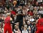 Aldridge é cestinha, e San Antonio Spurs bate o Chicago Bulls em casa