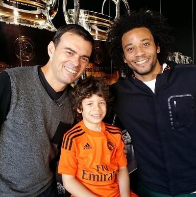 Tino Marcos, o pequeno Enzo, e Marcelo (Foto: Reprodução Instagram Tino Marcos)