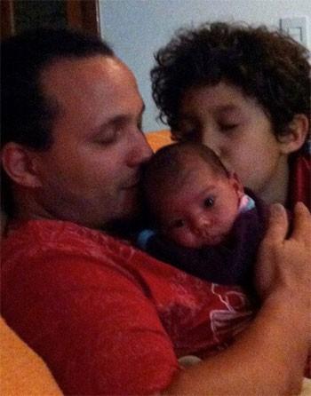 O pai das crianças, Rodrigo, não estava em casa na hora do acidente (Foto: Foto cedida por Graziela Mantoanelli)