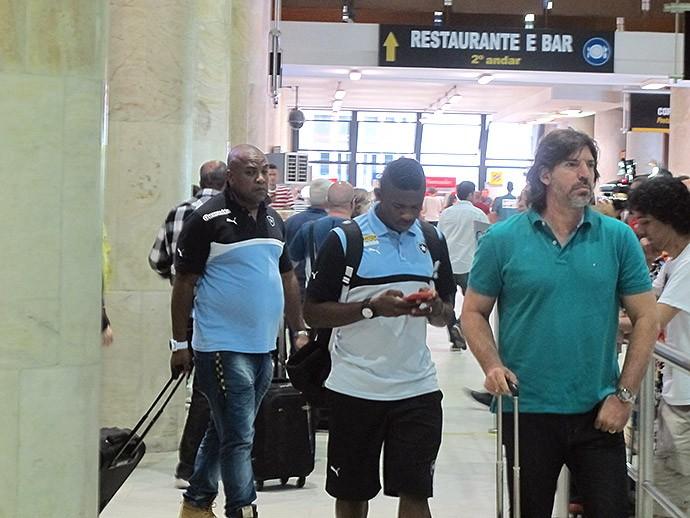 Desembarque Botafogo Rio (Foto: Fred huber)