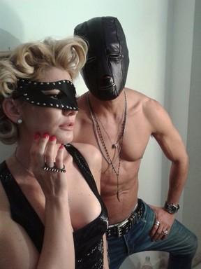 Antônia Fontenelle encarna Madonna em editorial de moda (Foto: Divulgação)
