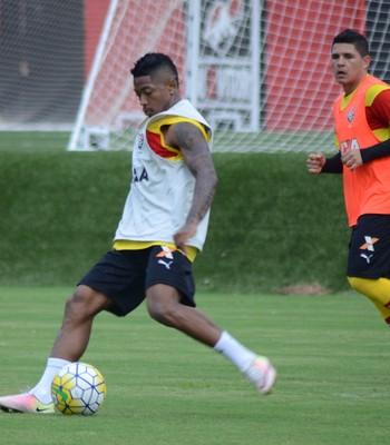 Treino do Vitória no Barradão (Foto  Francisco Galvão   Divulgação   E.C.  Vitória) Jogadores participaram de ... 4080db389df4c