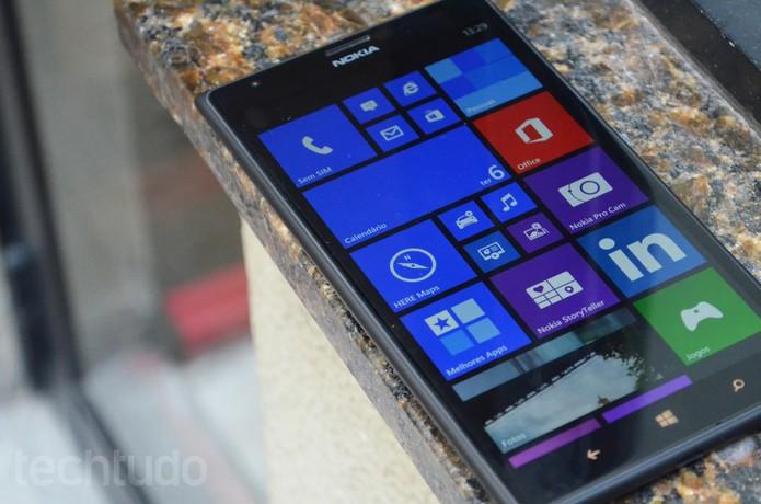 Lumia 1520 rodando Windows Phone 8 (Foto: Luciana Maline/TechTudo)