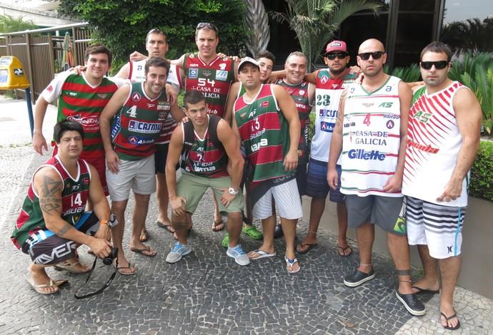 Mesmo pessimistas quanto ao resultado, torcedores do Aguada vieram em bom número ao Rio de Janeiro (Foto: Fabio Leme)