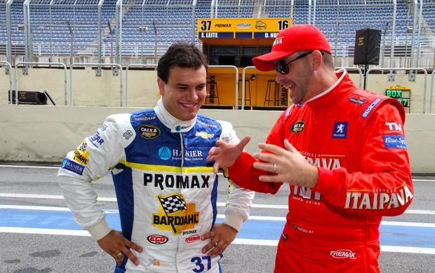 Stock Car - Eduardo Leite e David Muffato conversam nos boxes (Foto: Divulgação)