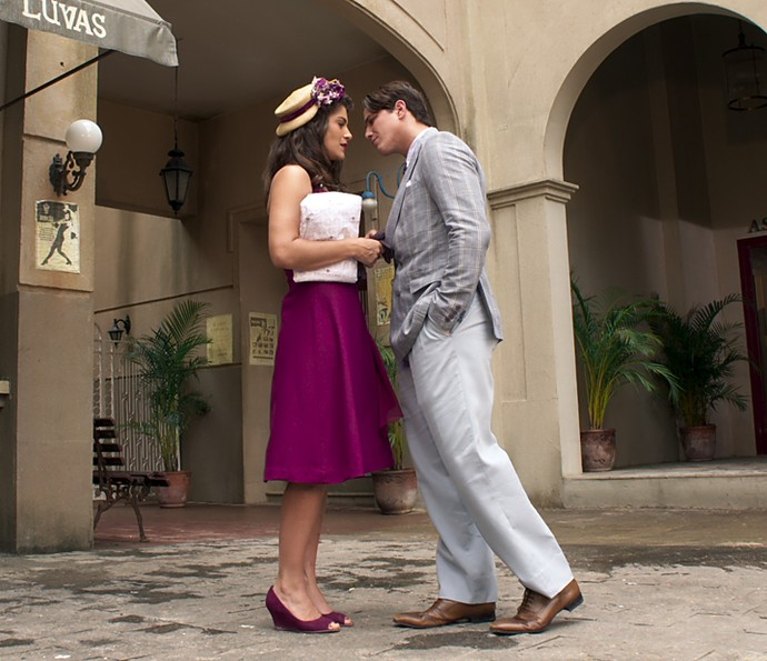 Diana e Braz quase se beijam! (Foto: TV Globo)