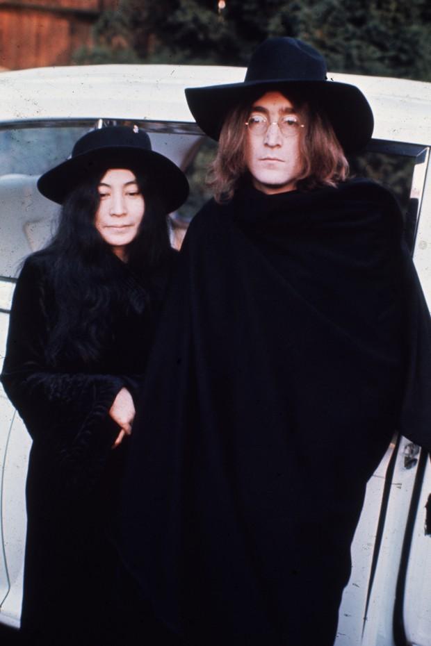 Mecha de cabelo de John Lennon é vendida por cerca de R$ 140 mil