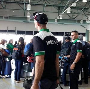 Comitê paralímpico da Irlanda desembarca em Uberlândia (Foto: Caroline Aleixo)