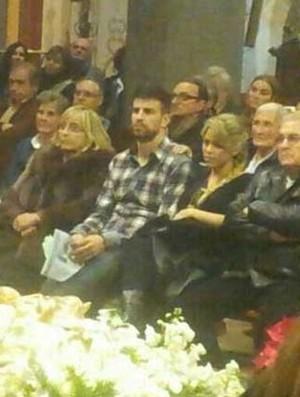 Piqué e Shakira na Missa do Galo (Foto: Reprodução/Sport.es)