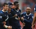 Bale tira 'folga', e Adebayor vira herói do Tottenham em vitória sobre Stoke