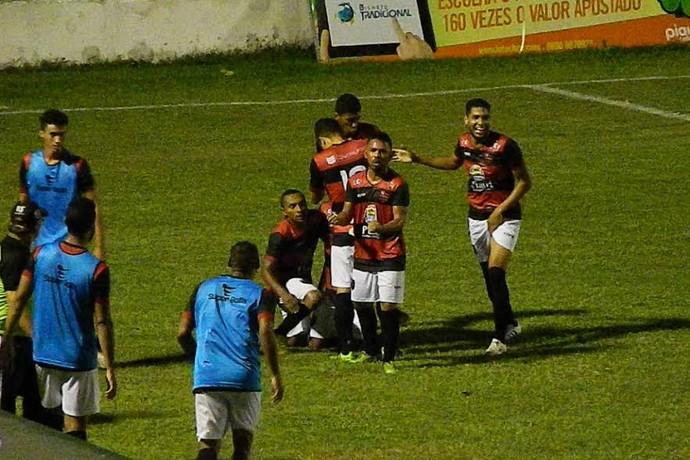 Picos x Flamengo-PI, Campeonato Piauiense (Foto: Romário Mendes/Riachaonet )