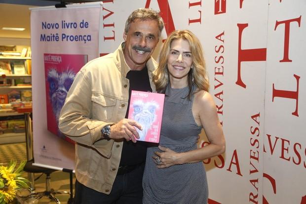 Oscar Magrini no lançamento do livro de Maitê Proença (Foto: Roberto Filho / AgNews)