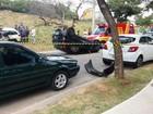 Motorista capota carro e interdita rua na zona sul de Sorocaba