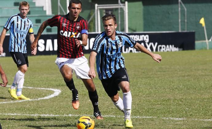 Volante Arthur, do Grêmio, tem 19 anos (Foto: Rodrigo Fatturi/Grêmio)