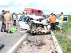 Idosa e 2 filhos estão entre os 4 mortos em acidente na BR-405, no RN