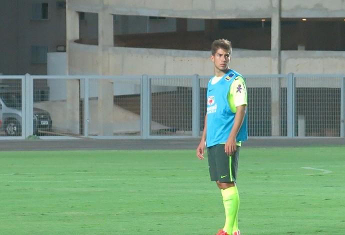 Luca Silva em treino da seleção olímpica (Foto: Felipe Schmidt)